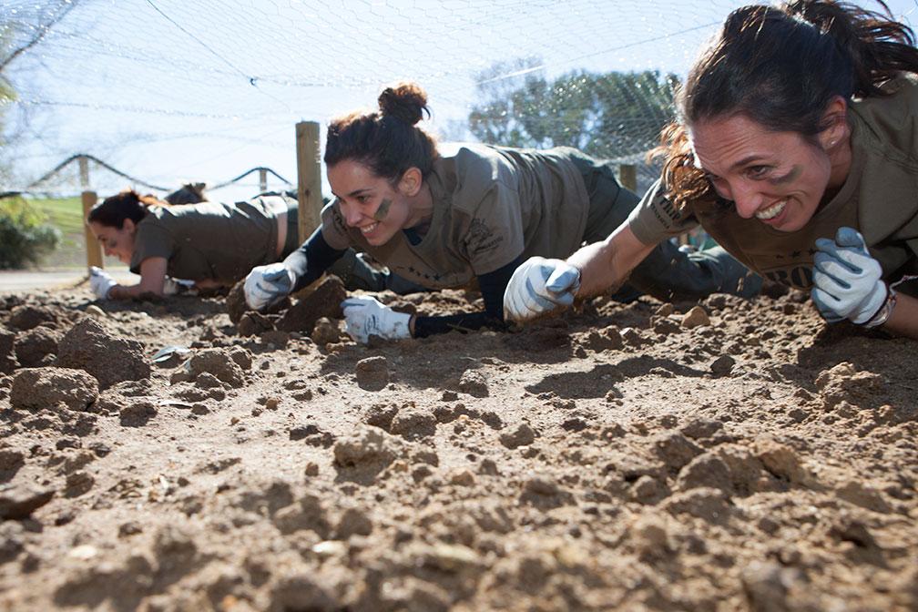 mulheres a fazer boot camp